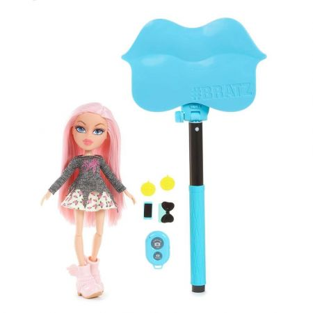 Bratz SelfieStick with Doll - Cloe Mga